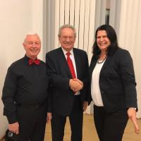 Andrea Mickel und Günther Bernhardt begrüßen Christian Ude in Gaimersheim
